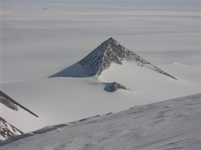 ant-pyramid-1